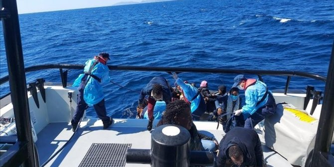 Turquie: sauvetage de 63 migrants irréguliers refoulés par la Grèce à Izmir