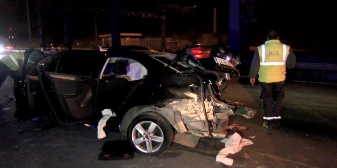 Kaza yapan sürücüye yardım için gelenlere otomobil çarptı: 1 ölü