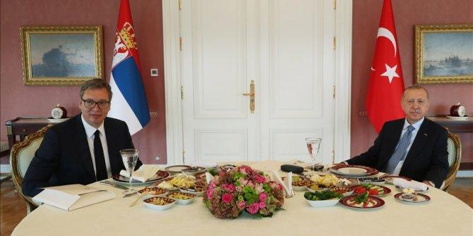 Erdogan se u Istanbulu sastao sa Vučićem