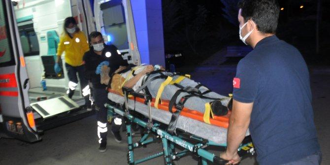Karaman'da otomobil tarlaya uçtu: 2 yaralı