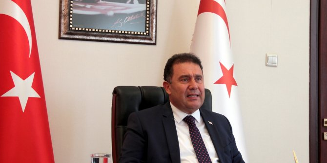 Kuzey Kıbrıs Başbakanı Ersan Saner istifa etti!