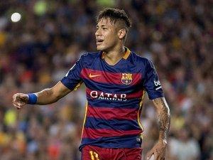 Tek günde 10 bin Neymar forması satıldı
