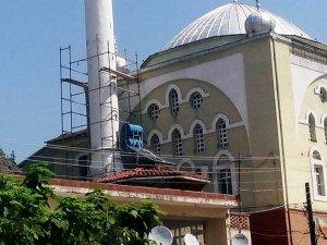 Mihalgazi De Vatandaslar Cami Boyatiyor
