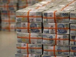 Hazine piyasaya 1 milyar lira borçlandı