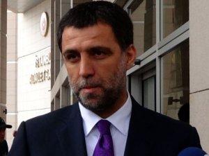 Hakan Şükür'ün Erdoğan'a hakaretten yargılanmasına başlandı