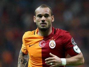 Everton Sneijder'in peşinde