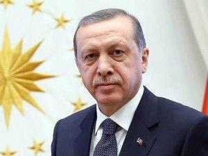 Erdoğan, Galatasaray Kulüp Başkanı Özbek'i kutladı