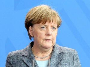 Almanya Başbakanı Merkel'den ilk açıklama