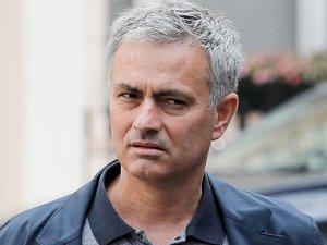 """Mourinho'nun imzası """"imaj""""a takıldı!"""