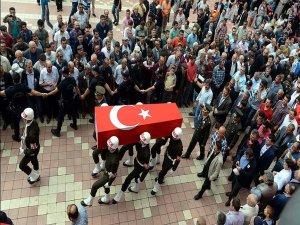 Şehit Astsubay Yıldırım'ın cenazesi toprağa verildi