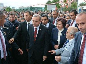 Erdoğan Cuma namazını Hoca Ahmet Yesevi Camisi'nde kıldı