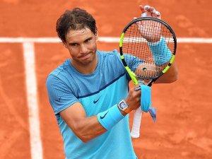 Nadal Fransa Açık'tan çekildi