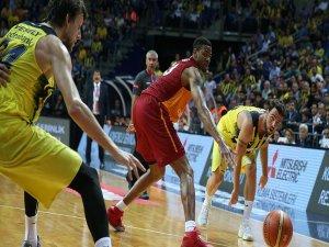 Fenerbahçe, Galatasaray'a sahasında yine geçit vermedi