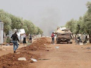 DAEŞ'ten kaçan on binlerce aile 4-5 kilometrekarelik alanda sıkıştı
