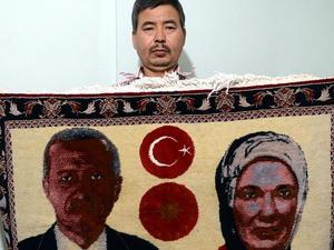 Recep Tayyip Erdoğan'a sevgisini halıya işledi