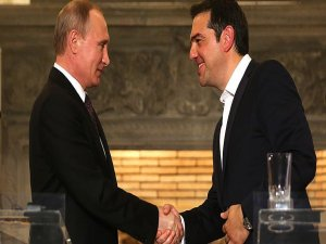 Putin begins Greek visit at 'crucial time'