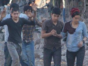 Nusaybin'de teslim olan 24 terörist tutuklandı