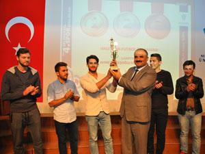 NEÜ'DE Geleneksel 4. Spor Şenlikleri ödül töreni gerçekleştirildi