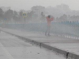 Meteorolojiden kuvvetli rüzgar ve dolu uyarısı