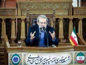 İran meclisinin geçici başkanlığına Ali Laricani seçildi
