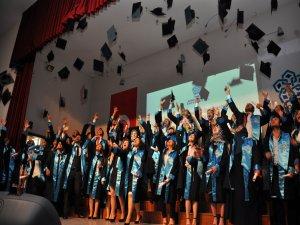 NEÜ Turizm Fakültesi ilk mezunlarını verdi