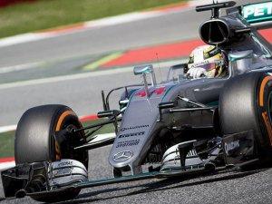 Hamilton bu sezon ilk kez birinci