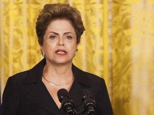 Rousseff: Yolsuzluk soruşturmasının durdurulması için görevden alındım