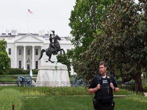 Beyaz Saray'a atılan metal cismin tehlike arz etmediği belirtildi