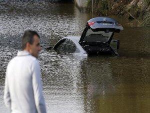 Fransa'da şiddetli yağış nedeniyle turuncu alarm