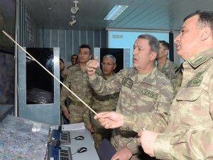 Genelkurmay Başkanı operasyon bölgelerine gitti