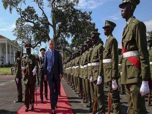 Cumhurbaşkanı Erdoğan, Uganda'da resmi törenle karşılandı