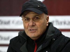 Sadi Tekelioğlu Trabzonspor'da kalmak istiyor