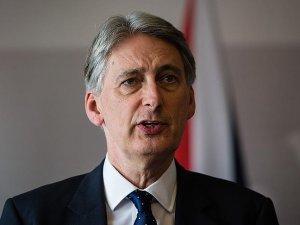 Hammond: Suriye'de havadan insani yardım artık son çare oldu