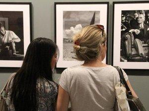'İnsan İnsanı Çekermiş' sergisi açıldı