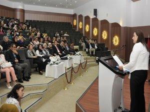 SÜ'de 'Kadının Ekonomideki Yeri ve Statüsü' konuşuldu