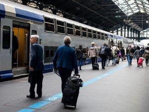 Fransa Demiryolları çalışanları grevi uzatıyor