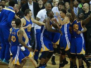 Warriors final serisinde öne geçti