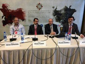 Dünya barışı Bosna'da masaya yatırıldı