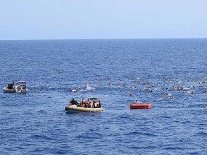 Akdeniz'de kaçakları taşıyan tekne battı: 4 ölü
