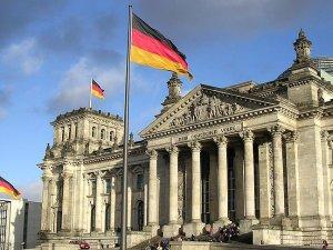 Alman meclisinin kararı hükümete tavsiye niteliği taşıyor