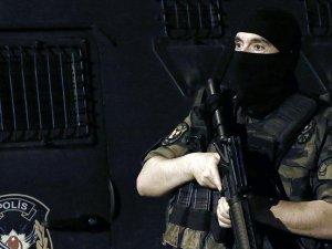 İstanbul'daki terör operasyonunda 19 kişi sınır dışı edildi