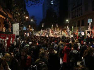 Arjantin'de kadın cinayetleri protesto edildi