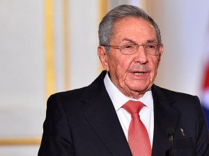 Küba'dan Venezuala'ya destek