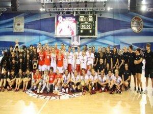 A Milli Kadın Basketbol Takımı namağlup şampiyon