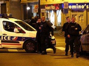 Fransa'da turist otobüsüne silahlı saldırı