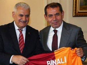 Galatasaray Başkanı Özbek'ten Başbakan Yıldırım'a sürpriz