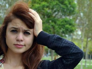 Uyurgezer kız balkondan düşüp hayatını kaybetti