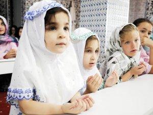 Camiler çocuklarla güzel