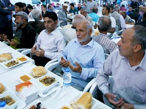 Sur'daki terör mağduru vatandaşlara iftar çadırı