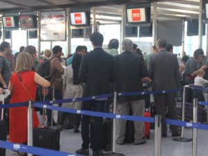 Tuvalet kokusu Alman Lufthansa'nın seferini iptal ettirdi